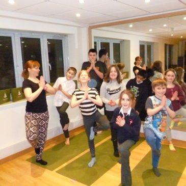 FAMILY FUN YOGA WORKSHOP